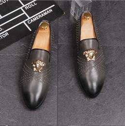 $enCountryForm.capitalKeyWord Canada - 2018 New Handmade Men fashion loafers shoe Breathable Nightclub leather shoes casual flats rivet Fashion Desinger Trend Shoe J62