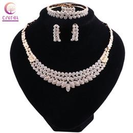 Ingrosso Set di gioielli di lusso a foglia piena di cristallo Set di gioielli da sposa Dubai color oro per costume da donna spose