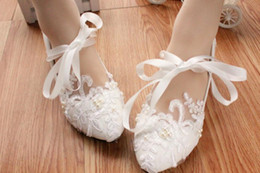 $enCountryForm.capitalKeyWord NZ - Free send Bride wedding shoes lace low heels women shoes 2018 autumn new style shoes heel 3cm ,4.5cm