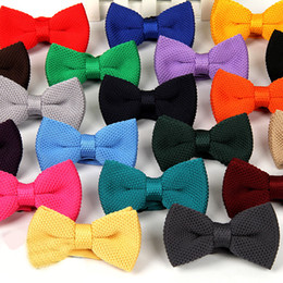 Men Silk Bowties NZ - Fashion Knitting British Style Men Bow Ties Solid Color Popular Leisure Groom Bowties For Wedding Party Neck Cravats 43 87mz Z