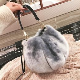 $enCountryForm.capitalKeyWord NZ - New Arrival Winter Women Totes Autumn Luxury Handbags Women Bags Designer Fur Crossbody Bags For Women Warm Bucket Shoulder Bags