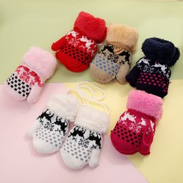 wholesale kids mitten NZ - 2018 New Winter Elk Knitted Gloves For Girl And Boy Thickening Warm Kids Mittens With Hanging Rope 6 Colors Mixed Wholesale