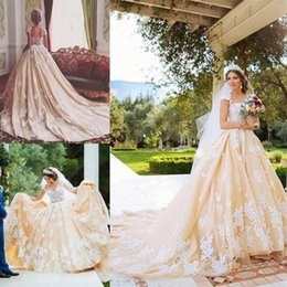 White Ballgown Wedding Dresses NZ - Newest Design 18th Century Retro Wedding Dresses Ivory Lace Appliques Cap Sleeves Ballgowns Champagne Special Occasion WeddingGowns