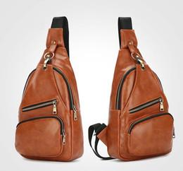 China 50pcs Extra Large Size Fashion Mens Shoulder Bag Burglarproof Snapper Black Leather Mens Messenger Bag Travel Chest Bag suppliers