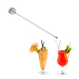 Ingrosso Vendita calda 2 pezzi in acciaio inox bevanda caffè miscelatori forma del cranio cucchiaio accessori da cucina Swizzle Stick Coffee Mixing Spoon