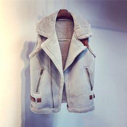 Venta al por mayor de Chaleco de cuero de imitación de gamuza de las mujeres sin mangas abrigos de piel 2017 Invierno mujer zip chalecos con cinturón Otoño cardigan caliente