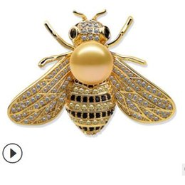 d068e230cc2 designer jewelry pins for women Bee pins pearl Pattaya brooches hot fashion  free of shipping