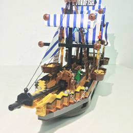 $enCountryForm.capitalKeyWord Canada - Fishing boat out of building blocks children creative DIY pirate blocks