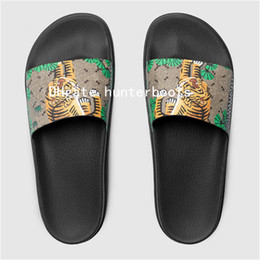 08dca9e40b27b Mens And Womens Angry Wolf Angry Cat Rubber Slide Sandal Slide Sandals Flip  Flops Fashion Street Style Causal Flats Slippers