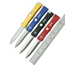 Fibbia automatica Double Edge Lama singola azione 3300 D / E Coltelli tattici Caccia da campeggio esterna Collezione di coltelli da tasca in stile regalo per uomo 1pz in Offerta