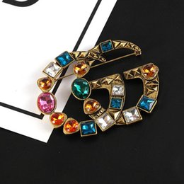 Vintage rhinestone pins online shopping - Retro Famous Brand Brooch Vintage Luxury Brand Designer Rhinestone Suit Lapel Pin for Party Brand Jewelry Accessory