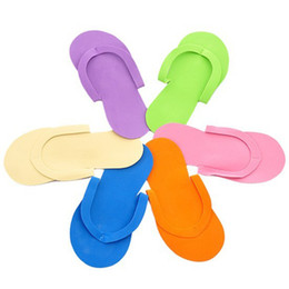 4df07e85e 12 par   lote Zapatillas Desechables de Uñas Suaves Flip Flop Espuma de  Pedicura Foot Spas Separadores Nails Art Slipper de Belleza de Color Al Azar