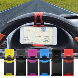 Ingrosso 2019 Car Steering Wheel telefono presa porta cellulare universale della clip del supporto del supporto da auto per iPhone 50-80mm Samsung DHL libera il trasporto
