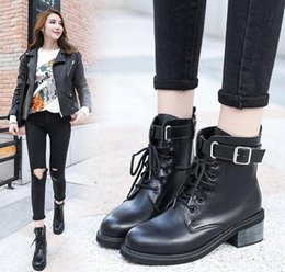 29b5152ac2e Round Toe Ankle Boots For Women Lace up Black Color Martin Boots Warm Fur Plush  Insole Classic Style Women Shoes