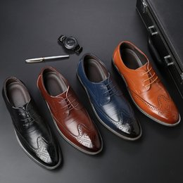 ItalIan formal dress shoes online shopping - designer mens dress shoes genuine leather italian brand formal shoes men brogue shoes men zapatos para hombre sepatu pria kulit buty damskie