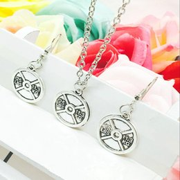 $enCountryForm.capitalKeyWord NZ - Hot Sale Alloy Antique Silver 25 LBS 11.3KG Fitness Weightlifting Tag Charm Pendant Necklace Earring Set Creative Women Jewelry Holiday Gift
