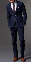de0232caadd Trajes de diseñador para hombre Conjunto 3PCS (traje + pantalones) 2  colores (negro + azul marino) tejido de alta calidad vestido de novio de boda  trajes ...