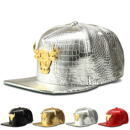 Hat Bulls Canada - 2018 New Fashion Brand Base Ball Cap Mens Hats Shiny Bull Snapback Women Casquette Cap Adjustable Hip-hop Caps 4 Style Black Silver