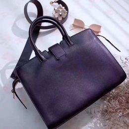 8530ea666e7e 2018 highest quality Luxury brand Pillow handbags women shoulder bags  Fashion r totes purses ladiesLarge capacity