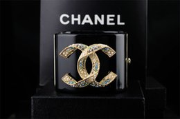 $enCountryForm.capitalKeyWord Australia - linlin Factory Price linlin Pearl Diamond Cuff Wide Bracelet Fashion Clear Crystal Punk Acrylic Star Bracelet With Box