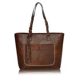 Chinese  Female handbags New handbag fashion fringed messenger bag Large-capacity shopping bag hand-woven oil skin shoulder bag manufacturers