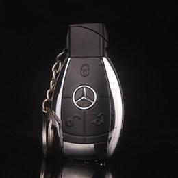 Venta al por mayor de Diseño de moda modelo de coche creativo a prueba de viento encendedor llama llavero de gas hombres encendedor de cigarrillos llave hebilla con linterna LED regalo encendedor
