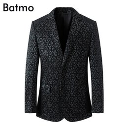 China Batmo 2018 new arrival summer high quality printed letters casual thin suits men,men's casual jackets,men's blazer ,Flash Deals cheap deal man jackets suppliers