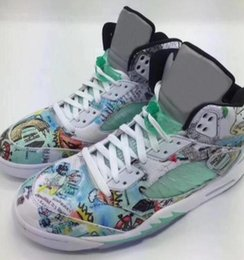 Glow dark boxes online shopping - High Quality Wings M Basketball Shoes Men s White Green Wings Glows In The Dark Sneakers With Shoes Box