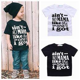 e769b02cdf8 2018 verão bebê meninos roupas meninas boutique clothing unisex crianças  letra impressa camisetas camisas camisetas brancas pretas t-shirts de  algodão tops ...