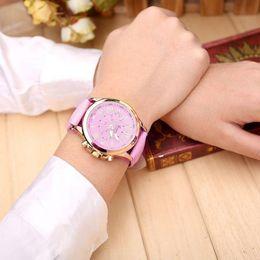 $enCountryForm.capitalKeyWord NZ - Geneva Top Brand Watches Women Casual Roman Numeral Watch For Men Women PU Leather Band Quartz Wrist Watch relogio Clock