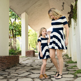 matching mommy girl clothes UK - Mommy and daughter matching outfits classic girls stripe short sleeve beach dress summer kids princess dress baby girls clothes F9157