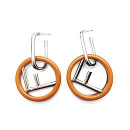 913a1c243fc7 Mujeres modelo de moda marca diseñador pendiente Retro letra F de lujo  pendiente popular famosa marca de joyería de alta calidad