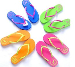 $enCountryForm.capitalKeyWord Australia - 500pcs 5 Colors Girls Pink Flip Flops Love Pink Sandals Pink Letter Beach Slippers Shoes Summer Soft Beach Slipper Y152