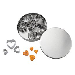 mold heart shaped cutter UK - 24 Pcs set Stainless Steel Fondant Cake Baking Mold Round Heart Flower Star Shape Biscuit MouldsCookie Cutter DHL