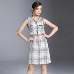 8130ea7f5a89 vintage 2018 brand women s one piece dress brand designer dress classy V  neck runway dresses woolen blend luxury tank dress XL 8018