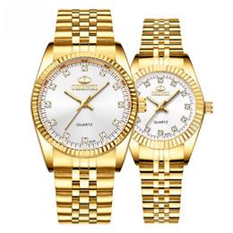 8fb8213f5b11 Reloj de lujo para amantes de los relojes de diamantes Reloj de cuarzo  original Hardlex Espejo Correa dorada Relojes de pulsera para hombres y  mujeres