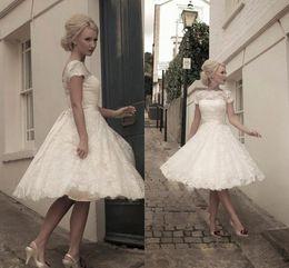 5faaa36a992 Vestidos de Novia Cheap See through Back Pretty Appliques Plus size Scoop  Knee-Length Lace Short Wedding Dresses Garden Bridal gown