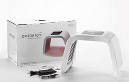 2018 Hottest Omega Licht 4 Farb-LED-Gesichtsmaske Licht für die Hautpflege, führte PDT Lichttherapie Maschine im Angebot