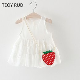 Discount kids white casual wedding dress - 2018 New Summer Toddler Girls Fashion Casual Sleeveless Strawberry Princess Kid's Ball Gown Party Wedding Dress+Bag