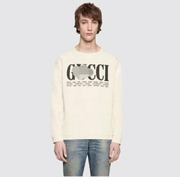 model cities 2019 - European fashion new city name English printing white long-sleeved sweater round neck original loose couple models coat