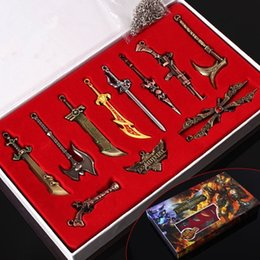 lol accessories Australia - League of Legends Weapon Model Game Accessories Keyring 11 Collector's Edition Boxed LOL Characters Novelty Items GGA234 5sets