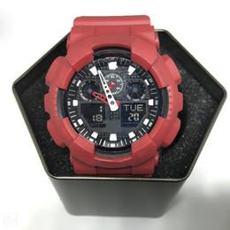 Vente en gros Grandes montres, montres pour hommes avec cadran de sport, montres pour hommes numériques alpinisme étanche à LED, tout travail de pointeur, boîtes, éclairages automatiques.