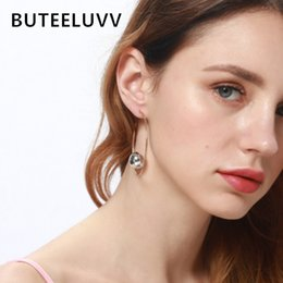 Wholesale BUTEELUVV Minimalist Hoop Earrings for Women Elegant Gold Color Big Circle Silver Color Metal Ball Round Earings Fashion Jewelry