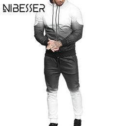 Опт NIBESSER повседневная уличная мужская мода 3D печати плиссированные толстовка брюки костюм осень плюс размер куртка брюки спортивный костюм 3XL