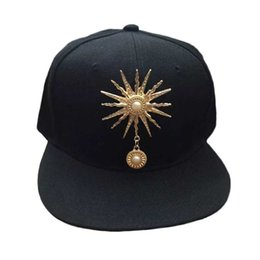 Korean Style Women Men Caps Trendy Sun Rivet Decorations Hip Hop Baseball  Caps Hat Fashion Hot Sale 7dd2328e19b0