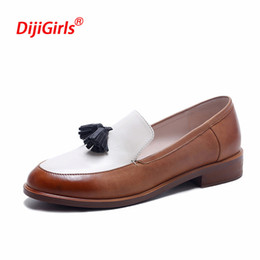 Flat Oxfords New Style Women NZ - 2017 New Tassel Women Loafers Fashion Oxford Shoes for Women British Style Flat Shoes Spring and Summer