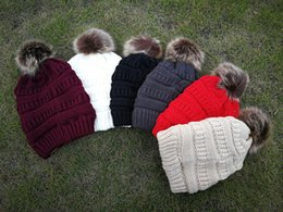 cable labels NZ - Unisex Trendy Hats Winter Knitted Fur Poms Beanie Label Fedora Luxury Soft Stretch Cable Skull Caps Fashion Fleece Beanie Outdoor Hats