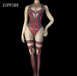 97c6c3697 2 cores preto vermelho impresso sexy bodysuit stage outfit leggings cantor  feminino boate nua traje de dança rebites macacões
