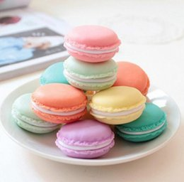 macaron boxes NZ - Mini Macaron Candy Color Cosmetic Case Jewelry Storage Box Round Container Pill Case Birthday Gift Valentine Chocolates Packing nt 4*2cm