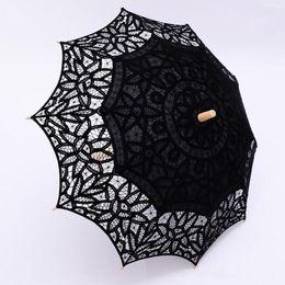 Vintage Black Lace Parasol Parapluie Gothique Fantaisie Creux Vintage Parasols de mariage victoriens pour mariée demoiselle d'honneur de bonne qualité en Solde